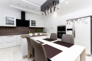 Кухня Сиена с фурнитурой Blum / белая