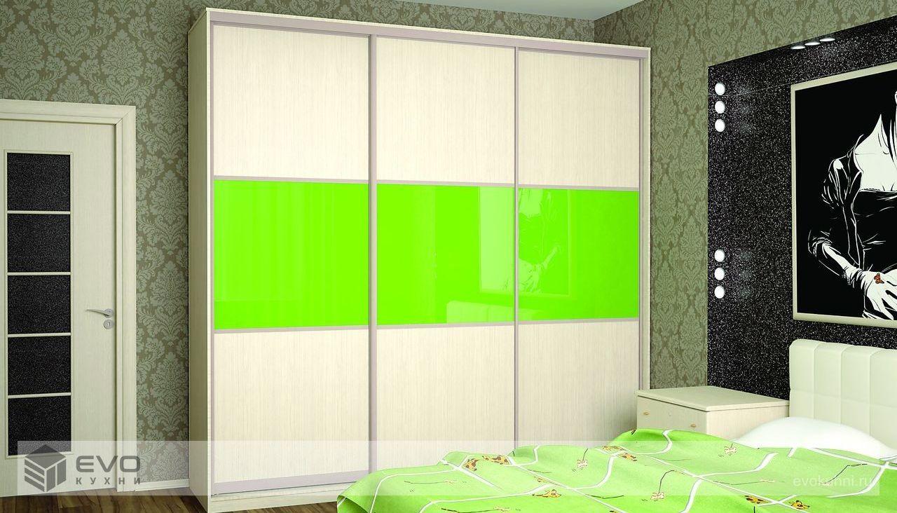 Зелёный шкаф-купе в спальню
