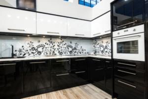 Кухня Сиена с австрийской фурнитурой Blum / черная