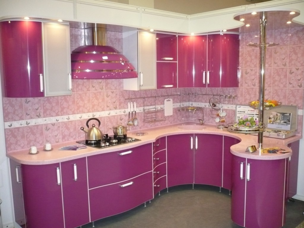 Кухня Орнелла с австрийской фурнитурой Blum / розовая