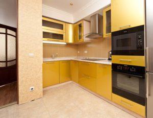 Кухня Сиена с матовой отделкой / золотая