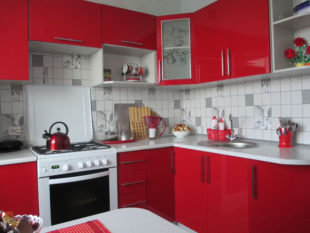 Кухня Сиена с фурнитурой Boyard / красная