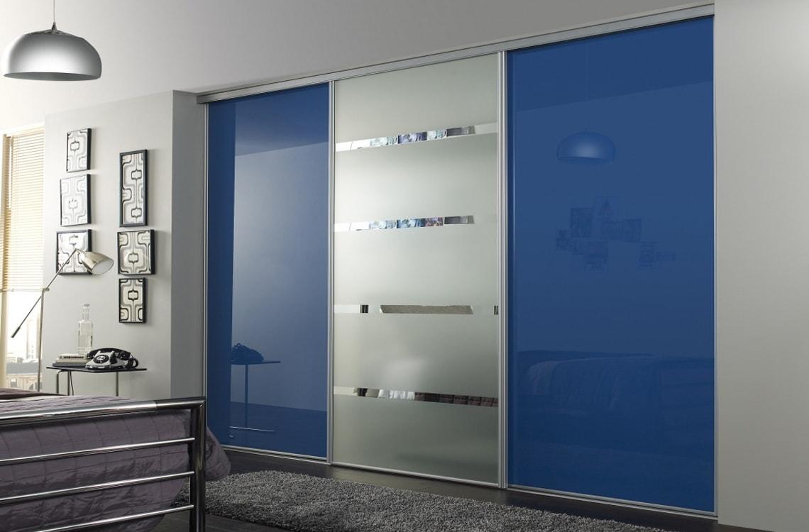 3-х дверный шкаф-купе с зеркалом в спальню