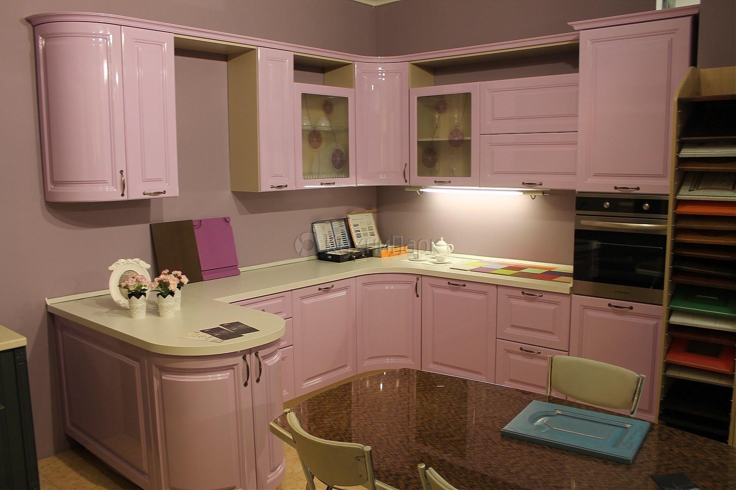 Кухня Сиена с фасадом из 3D акрила / розовая