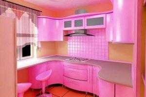 Кухня Сиена с фасадом Fundermax / розовая